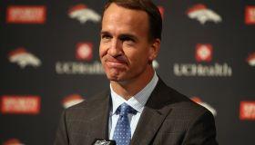 Peyton Manning Announces Retirement